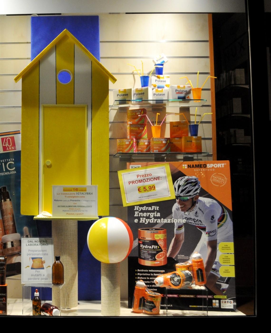 Eccezionale Le vetrine estive della farmacia: tante idee da copiare IM38