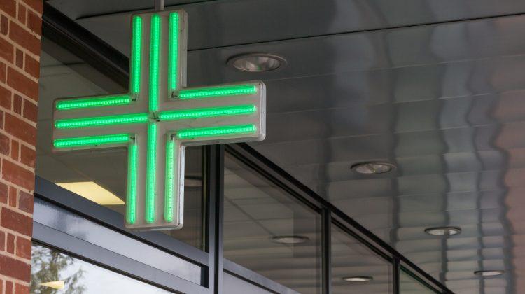 prenotare esami e visite specialistiche in farmacia