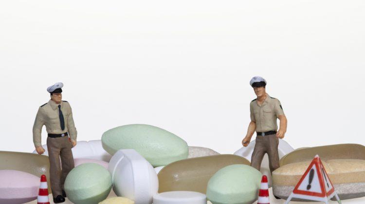 GDF smantella traffico illegale di farmaci venduti in sexy shop